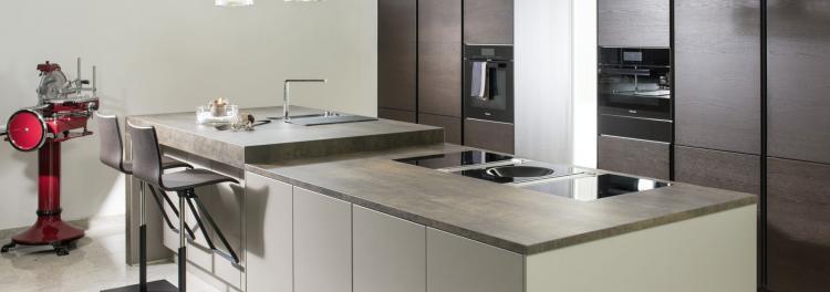 Wohnholz resl tischlereimeister franz resl steinplatten for Küchen konfigurator